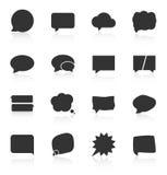 Satz Spracheblasenikonen auf weißem Hintergrund Stockbilder
