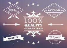 Satz Stempel für Verkauf, Rabatte, Werbung, Qualitätsprodukt auf dem unscharfen Hintergrund Auch im corel abgehobenen Betrag Stockbild