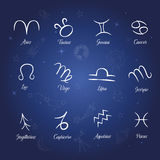 Satz Sternzeichen auf sternenklare Nachthintergrund Lizenzfreie Stockbilder