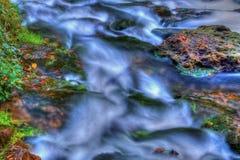 Satz Stromschnellen auf einem Fluss in High Dynamic Range Stockbild