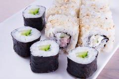 Satz Sushi mit Garnele Stockfoto