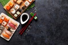 Satz Sushi und maki Stockbilder