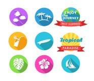 Satz tropische Ikonen in der flachen Art Lizenzfreies Stockfoto