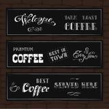 Satz Typografiedesignfahnen auf einem Ziegelsteinhintergrund Stockfotografie