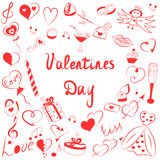 Satz Valentinsgruß ` s Tagessymbole Kind-` s vereinbarten lustige Gekritzel-Zeichnungen von roten Herzen, Geschenke, Ringe, Ballo Lizenzfreies Stockbild
