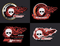 Satz Vektor Motorrad-Schädeltypographie, T-Shirt Grafiken, vec Lizenzfreies Stockfoto