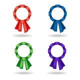 Satz Vektorrosetten Dekoration von den roten, blauen, grünen, violetten Bändern Lizenzfreie Stockfotos
