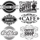 Satz Vektorschablonen in den verschiedenen Retrostilen für die Werbung des Kaffees Lizenzfreies Stockbild