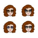 Satz verschiedene Arten der Sonnenbrille, die durch nette Frau sich darstellt Stockbilder