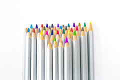 Satz verschiedene farbige Bleistifte auf weißem Hintergrund Stockfoto