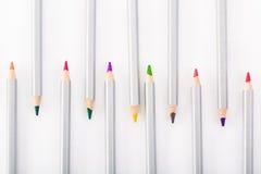 Satz verschiedene farbige Bleistifte auf weißem Hintergrund Lizenzfreies Stockbild