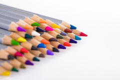 Satz verschiedene farbige Bleistifte auf weißem Hintergrund Lizenzfreies Stockfoto