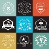 Satz verschiedene Firmenzeichenschablonen für das Surfen Vektor athletisch Stockfotos
