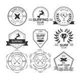 Satz verschiedene Firmenzeichenschablonen für das Surfen Vektor athletisch Lizenzfreie Stockbilder