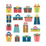 Satz verschiedene Geschenkboxen Bunte eingewickelte Geschenkboxen Flaches d Lizenzfreie Stockfotos
