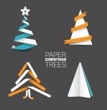 Satz verschiedene Papierweihnachtsbäume Stockfotos