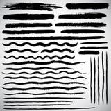 Satz verschiedene Vektorbürstenanschläge, die gezeichnete Hand zeichnet Stockbild