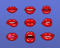 Satz verschiedene weibliche rote Lippen Mode bessert Elemente, Ausweissammlung aus Comics mouth mit Lächeln, Zunge, Zähne lizenzfreie abbildung