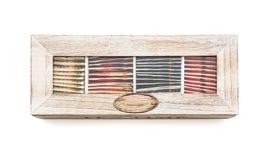 Satz verschiedener Tee im hölzernen stilvollen Kasten Stockbild