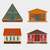 Satz von ausführlichen Häuschenhäusern und von alpinem Chalet Lizenzfreies Stockfoto