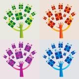 Satz von 4 Geschenk-Baum-Ikonen - mehrfache Farben Lizenzfreie Stockfotos