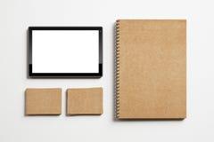 Satz von Identitätselementen und -tablette Lizenzfreie Stockbilder