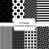 Satz von 8 klassischen schwarz- weißen nahtlosen Mustern Stockfotos