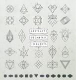 Satz von minimalen einfarbigen geometrischen Retro- Insignien und von Firmenzeichen Lizenzfreies Stockfoto
