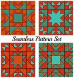 Satz von 4 modernen geometrischen nahtlosen Mustern mit Dreiecken und Quadraten von Orange, von Rotem, Knickente und cyan-blaue S Lizenzfreie Stockfotografie