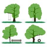 Satz von vier grünen Bäumen, eine Bank, ein Treppenhaus mit einer Höhle lizenzfreie abbildung