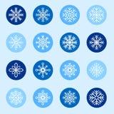 Satz weiße Schneeflocken auf Farbhintergründen Stockbild