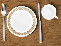 Satz weiße Teller auf einem hölzernen Stockbilder