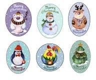 Satz Weihnachten etikettiert mit lustigen Tieren und Weihnachtsbaum wat Lizenzfreie Stockbilder