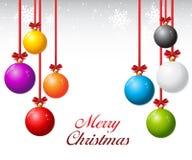 Satz Weihnachtsbälle mit Band und Bögen Lizenzfreies Stockfoto