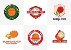 Satz Weinlesefarbbasketball-Meisterschaftslogos Stockbilder
