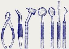 Satz Werkzeuge der medizinischen Ausrüstung für Zahnpflegen der Zähne Lizenzfreies Stockbild