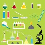 Satz Wissenschafts-Chemikalien-Forschungs-und Experiment-Laborvektoren und -ikonen Lizenzfreie Stockbilder