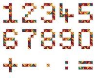 Satz Zahlen und Mathesymbole im geometrischen Stil gemacht von der Farbe Stockbild