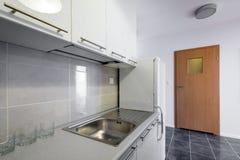 Moderne Weiße Küche, Saubere Innenarchitektur Stockfoto - Bild ...