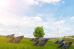 Saubere Windkraftanlage der elektrischen Energie des Ökologiekonzeptbaums Stockfotografie