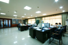 Sauberes Büro der Firma stockbilder
