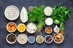 Sauberes Essen des gesunden Lebensmittels der Draufsicht der Kalziumvegetarier stockbilder