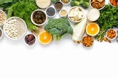 Sauberes Essen des gesunden Lebensmittels der Draufsicht der Kalziumvegetarier lizenzfreie stockfotografie
