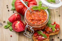 Sauce à Bruschetta (dans une glace) Image libre de droits
