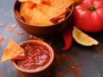 Sauce à immersion de tranche de casse-croûte de nourriture de frite de nacho de tortilla photo stock