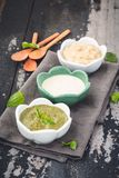 Sauce à immersions avec de la sauce à ranch, Mayo Sauce, Basil Sauce photo stock