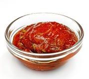 Sauce в стеклянной таре на белой предпосылке Стоковое Изображение RF