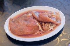 Sauce coréenne marinée par porc du plat blanc photo stock