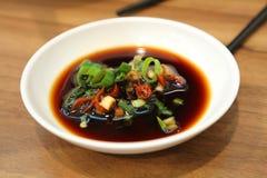 Sauce de soja à l'oignon de ressort image libre de droits