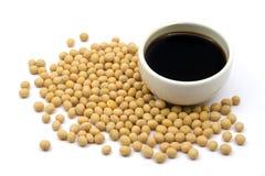 Sauce de soja et haricots Image stock
